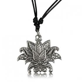 ''Lotus Nilam Pali'' necklace