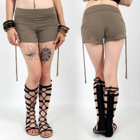 \'\'Chhota\'\' shorts, Mole