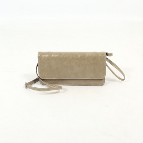 \'\'Elakshi\'\' fake leather purse, Mole