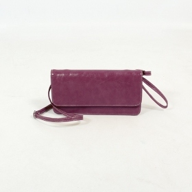 \'\'Elakshi\'\' fake leather purse, Purple