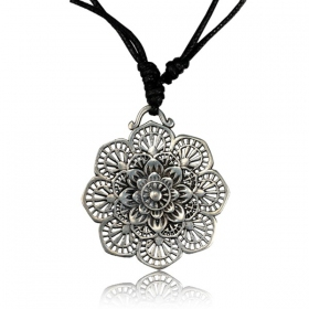 \'\'Kaylo Pali\'\' necklace