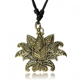 \'\'Lotus Nilam\'\' necklace
