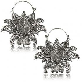 \'\'Lotus Nilam Pali\'\' earrings