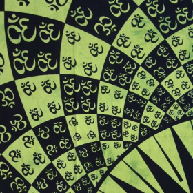 \'\'Many Ohm\'\' hanging, Green