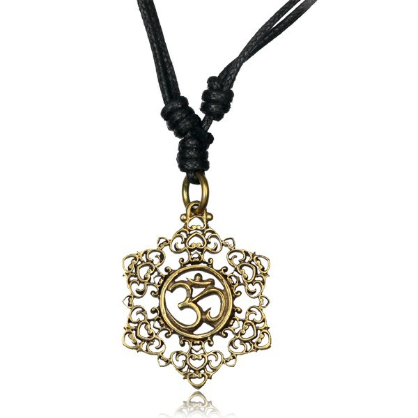 \'\'Ohm mandala\'\' necklace