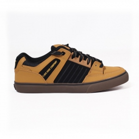 DVS Celsius CT, Camel nubuck leather and black details