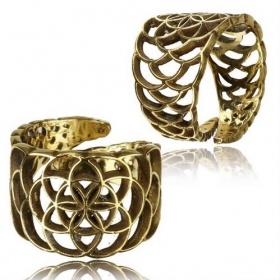"\""Abhra Flower of Life\\\"" ring"