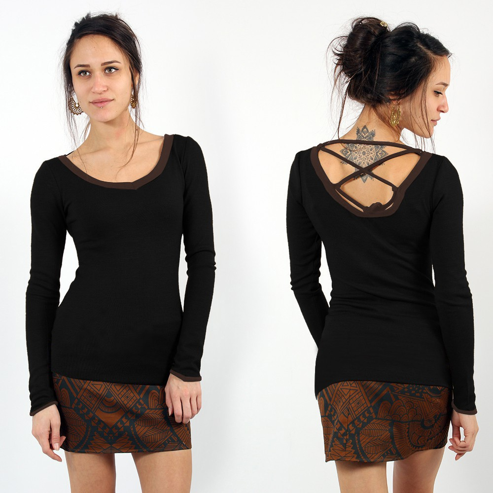 ""\""""Anaëly"""" Top Pull, Black and Brown""1000|1000|?|en|2|0d2bb29b21828c1f69b2e0434e0c97cf|False|UNLIKELY|0.3036437928676605