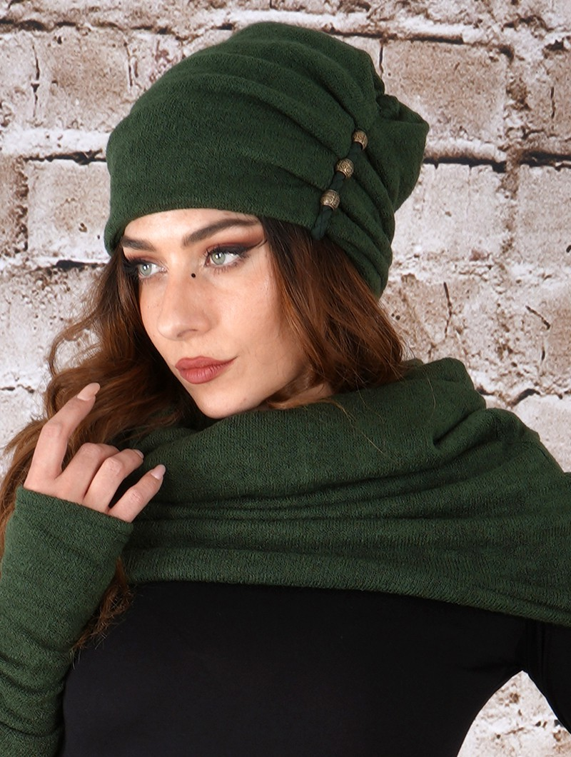 ""\""""Aslany"""" beaded beanie, Forest green""800|1060|?|en|2|03aa507f9a2cd87e6bd6751c73d85761|False|UNLIKELY|0.2924045920372009