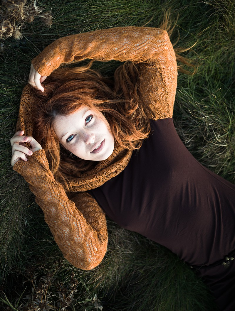 "\""Atmäa\"" crochet long sleeve top, Rusty and brown"