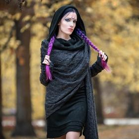 "\""Danaeriz\"" crochet shawl, Dark grey"