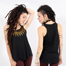 ""\\""""Feather neck\"""" tank top, Black and gold""280|280|?|en|2|51597f1c51dd4c97962f016e08232b22|False|UNLIKELY|0.32969316840171814