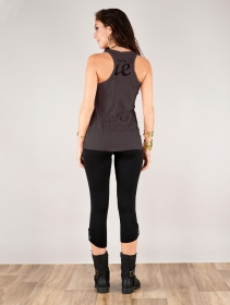 ""\""""Flower"""" tank top, Taupe""211|280|?|en|2|3f138529958b4b271a8743e16066584a|False|UNLIKELY|0.2995598316192627