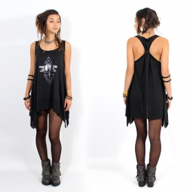 ""\\""""Geometric Dragonfly\"""" knotted tunic, Black and silver""280|280|?|en|2|c71190d90f046cf1868ed69decd05bfa|False|UNLIKELY|0.2961457371711731