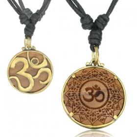 "\""Giant Ohm\"" necklace"