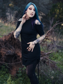 ""\""""Helios"""" dress, Black and gold""211|280|?|en|2|98ebaa132e27e4a2b18618a098dacadd|False|UNLIKELY|0.28554433584213257