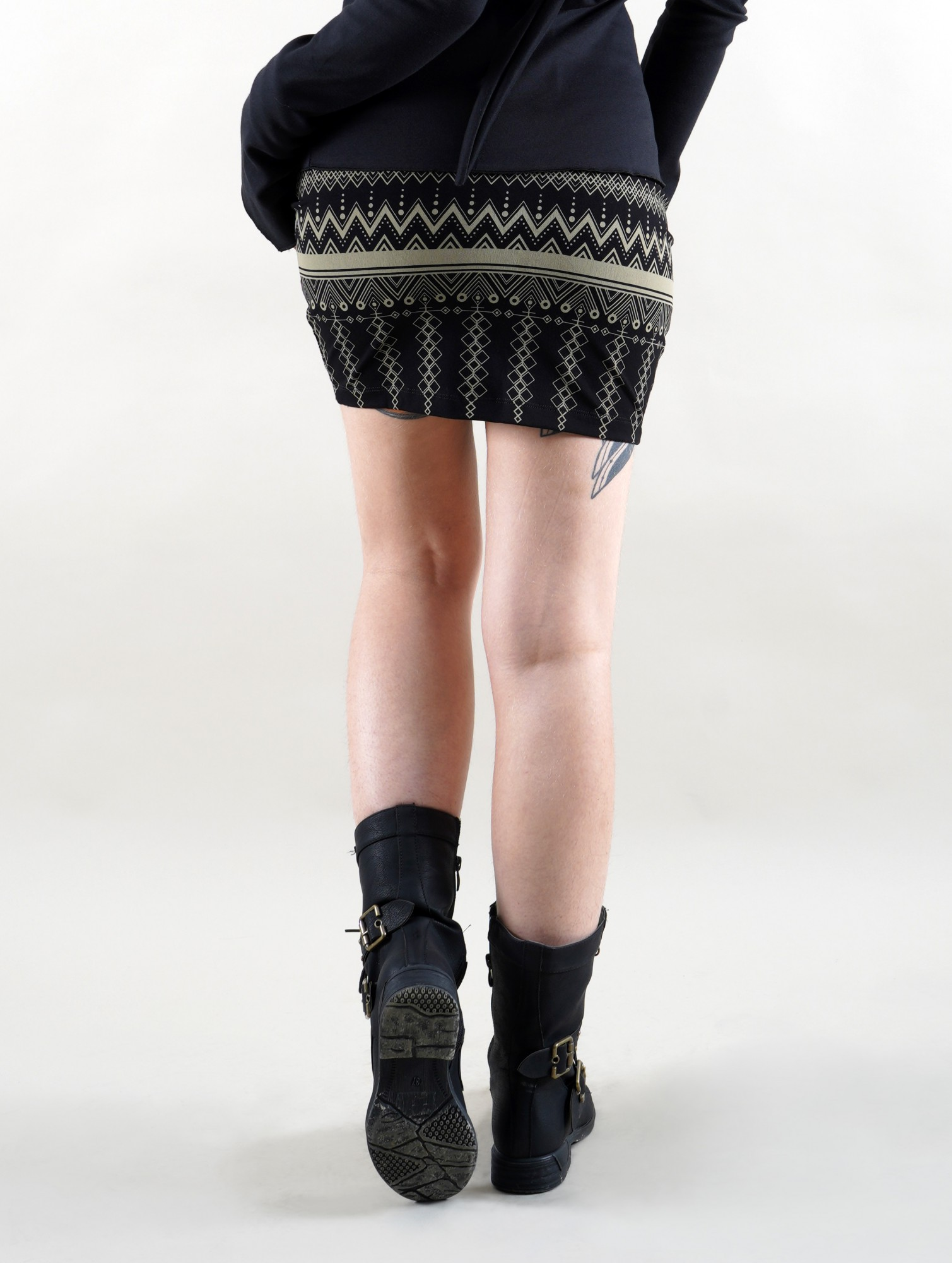 "\""Ilmarë Aztec\"" short skirt, Black"