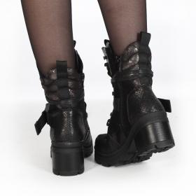 "\""Jiloh\"" boots, Black"