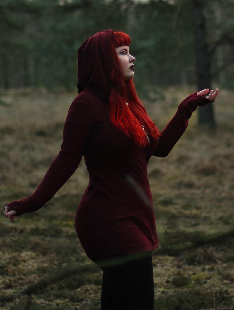 "\""Karmäa\"" sweater dress, Wine"