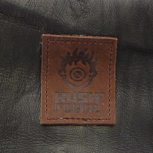 ""\""""Kush Pouch"""" plain leather tobacco pouch with a strap""500|500|?|en|2|9283abd2cbed2da307634529efe3e56a|False|UNLIKELY|0.3155996799468994