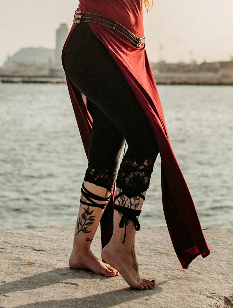 ""\""""Lï-Jaa"""" pointy leggings, Black with black lace""800|1060|?|en|2|9f71808c2239ea908ba23a626a73c0b3|False|UNLIKELY|0.293405681848526