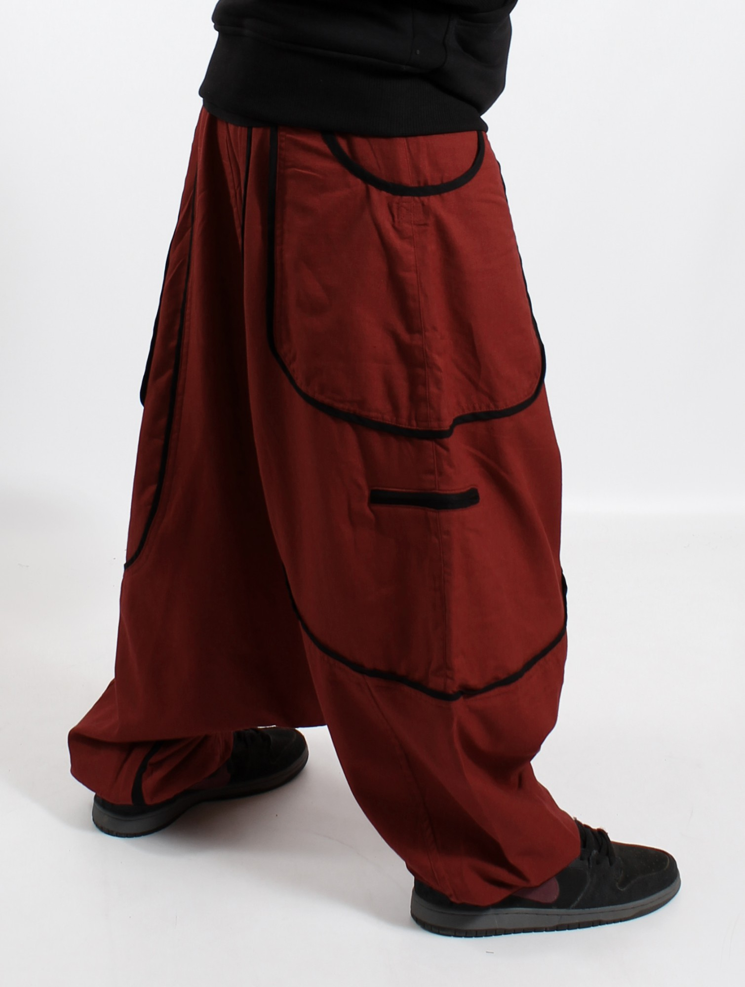 ""\""""Lines"""" Gender neutral harem pants, Rusty with black lines""1509|2000|?|en|2|b4700a7110429245ed3ff35e6cacc1f2|False|UNLIKELY|0.29299214482307434
