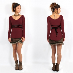 ""\""""Mystic"""" Top Pull, Wine and Black""280|280|?|en|2|299a3a02a3f6da3d8466b79babbd0673|False|UNLIKELY|0.2814030051231384
