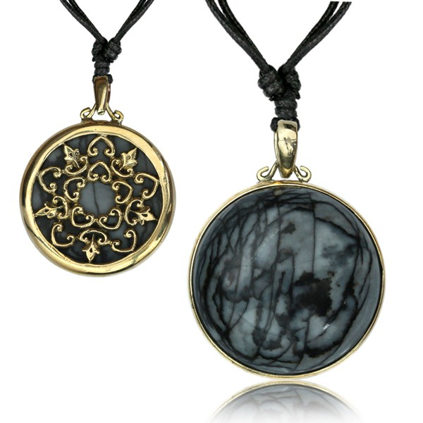 "\""Nekomata Stone\"" necklace"