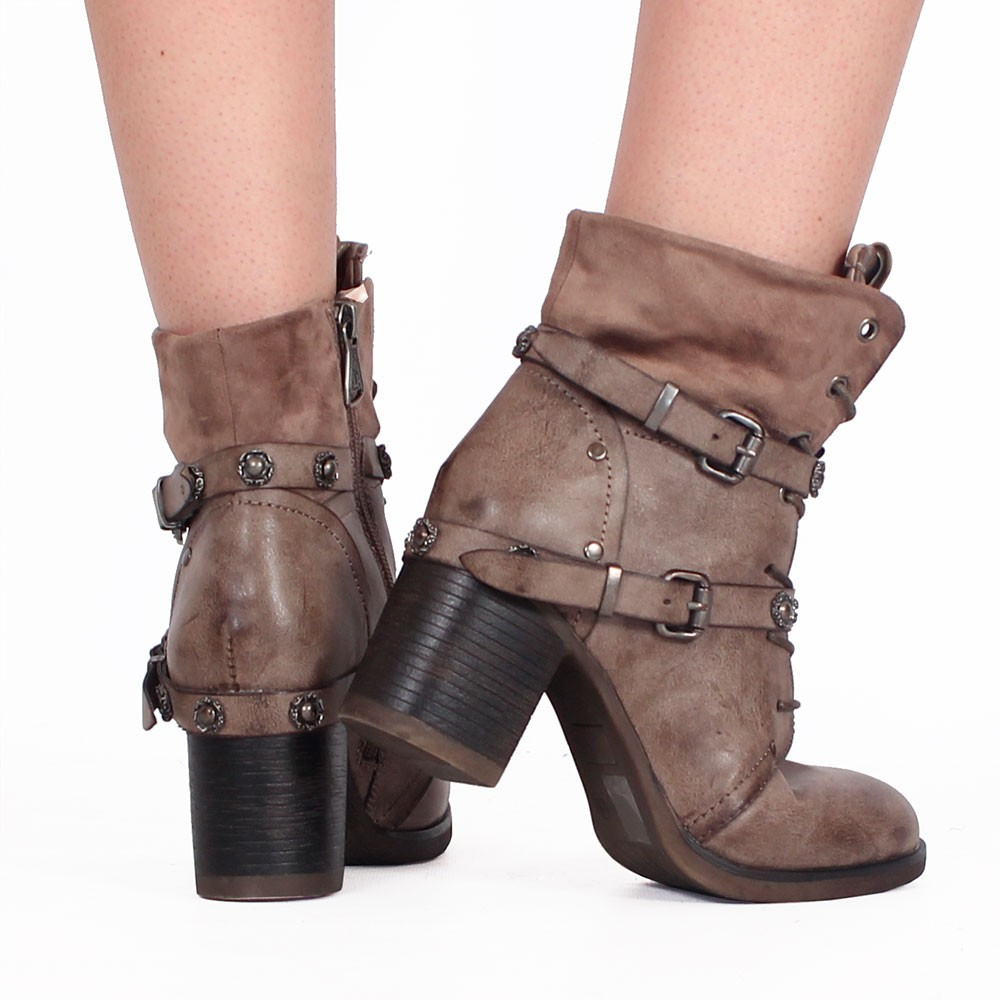 ""\""""Olwë"""" boots, Taupe""1000|1000|?|en|2|2ce7f4f571875aa77c545070ae94b501|False|UNLIKELY|0.29784050583839417