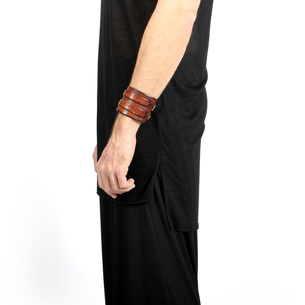 """Sanokara\"" sleeveless t-shirt, Black"