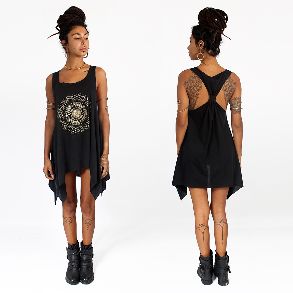 ""\""""Sapana"""" knotted tunic, Black and gold""1000|1000|?|en|2|aa016f437a93a457d828a7195606ecba|False|UNLIKELY|0.2848989963531494