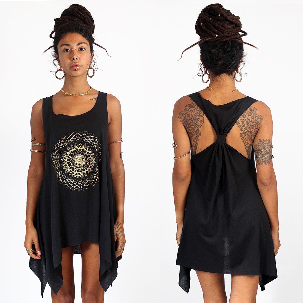""\""""Sapana"""" knotted tunic, Black and gold""1000|1000|?|en|2|30c60e9b926bf4c4aebe6bda92450704|False|UNLIKELY|0.299745112657547