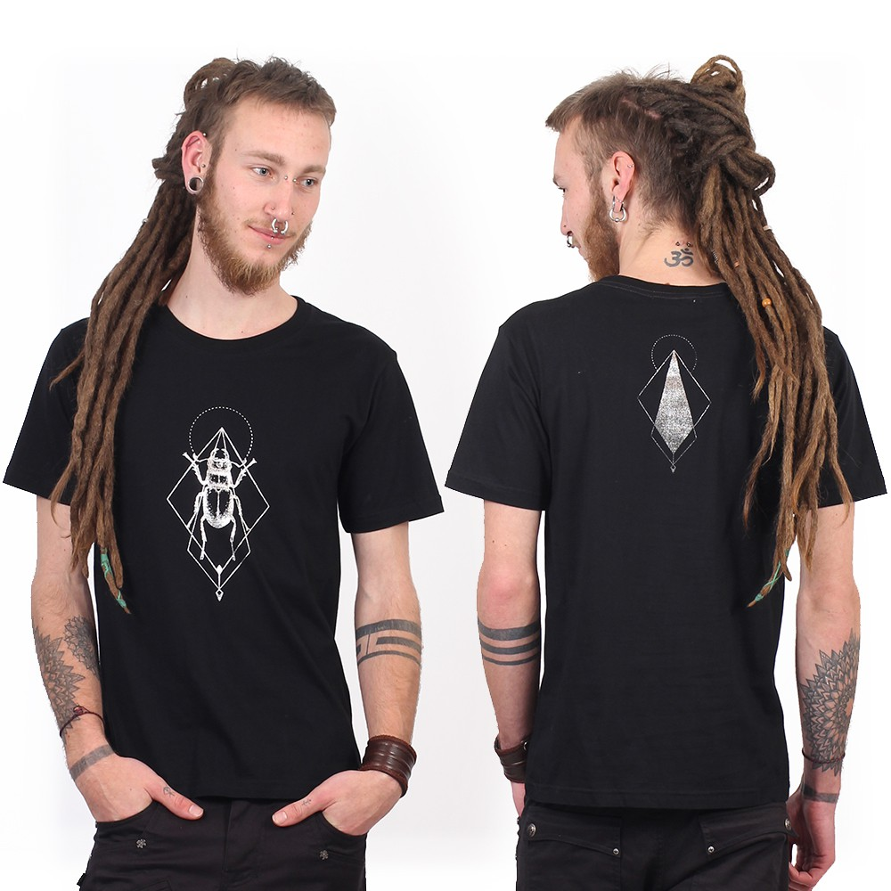 """Scarab spirit\"" t-shirt, Black and silver"
