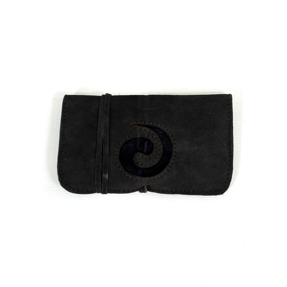 ""\\""""Spiral\"""" leather tobacco pouch""1000|1000|?|en|2|d140c8db61bea710a5812145e5d88442|False|UNLIKELY|0.33364543318748474