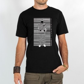 "T-shirt ""consumer prisoner\"", black"