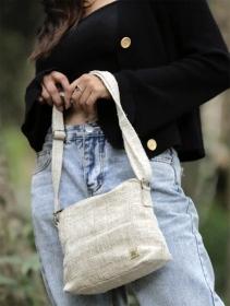 "\""Trishuli\"" handbag, sand hemp and cotton"