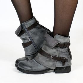 "\""Vayyan\"" boots, Grey"