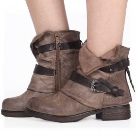 "\""Vayyan\"" boots, Taupe"